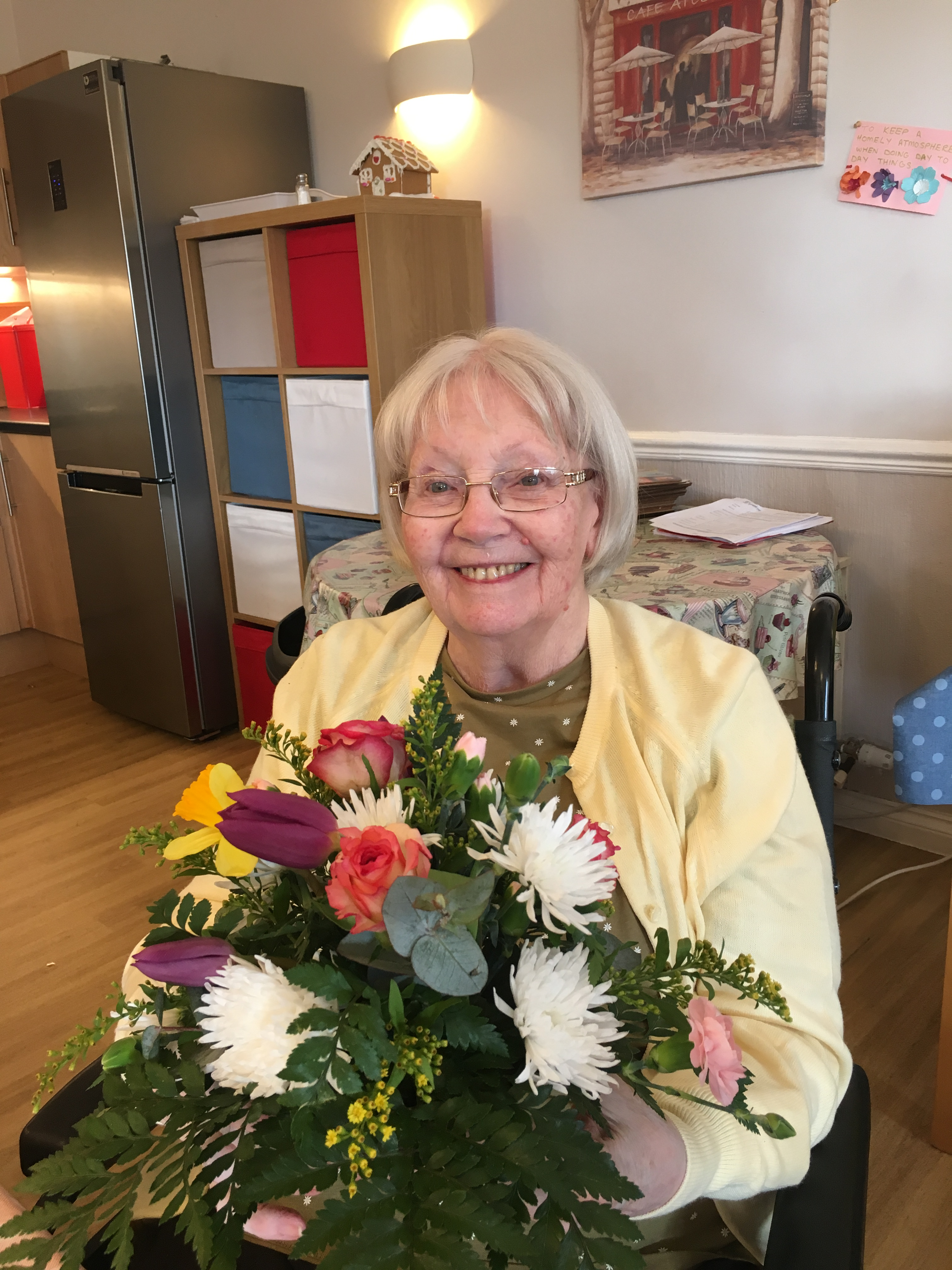 6cbc9ec947b A group of Riversway residents made some beautiful flower arrangements  recently.